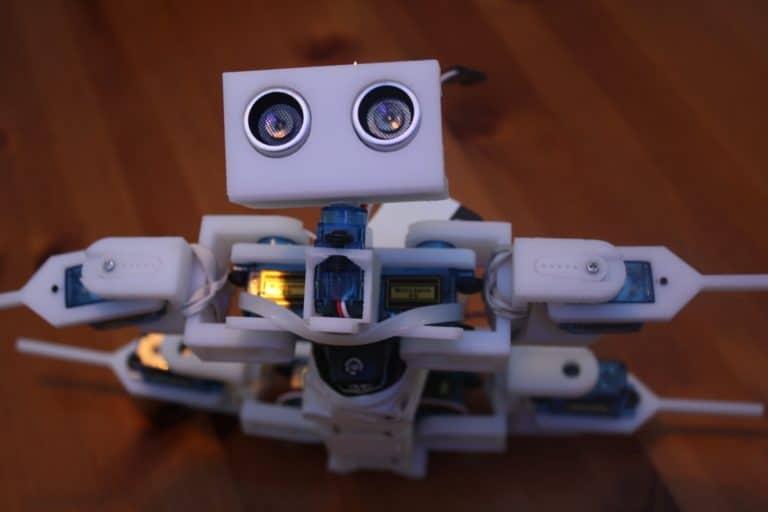 robot-648622_1920
